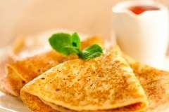 """Вкусные рецепты: Яйца, запечённые в веночках, Курица по-провансальски, Пёстрая соломка """" Grissini """""""